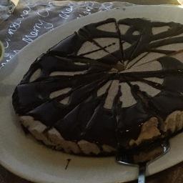 peanut butter & chocolate raw cheesecake