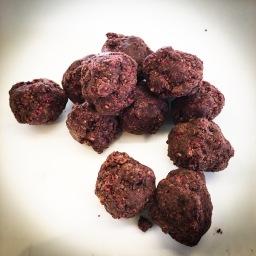 cacao & raspberry keto bites